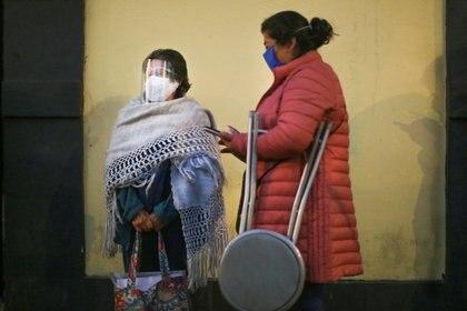 Autoridades sanitarias pidieron a la población no relajar las medidas de prevención de la enfermedad de coronavirus (Foto: Reuters / Edgard Garrido)