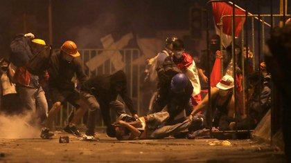 Sagasti aseguró que trabajará para hacer justicia por los jóvenes asesinados en las protestas del fin de semana contra el ex gobierno de Manuel Merino (REUTERS/Sebastian Castaneda)