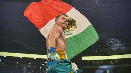 Quién es Caleb Plant, boxeador al que retó Canelo Álvarez tras victoria contra Sauders
