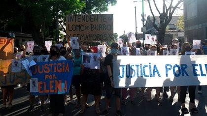 Vecinos, amigos y familiares se manifestaron este lunes en reclamo de justicia y medidas de seguridad vial en el municipio