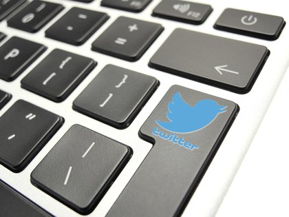 En la imagen. el detalle de un logo de Twitter en el teclado de un ordenador. EFE/Lex Van Lieshout/Archivo