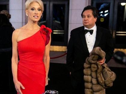 Kellyanne Conway junto a su esposo George Conway.  REUTERS/Joshua Roberts/File Photo