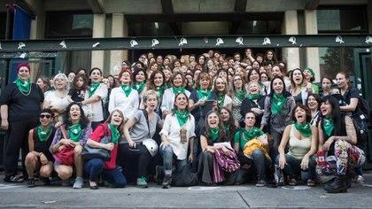 Autoras argentinas de todas las generaciones se reunieron para firmar la Carta Abierta de Escritoras Argentinas (Nacho Yuchark/lavaca)