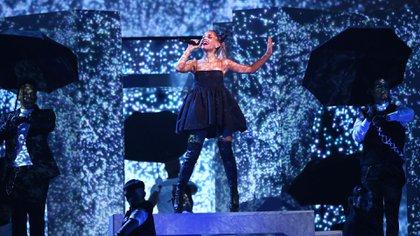 """Ariana Grande interpretó su nuevo éxito, """"No Tears Left to Cry"""", en los Premios Billboard 2018 (Reuters/ Mario Anzuoni)"""