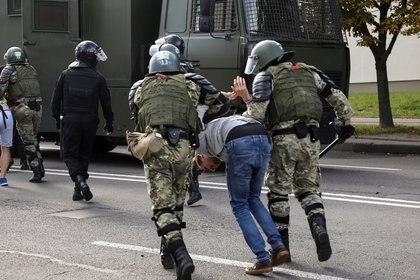 Arrestos en Minsk (Reuters)