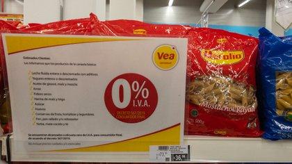 El rubro alimentos y bebidas es el de mayor peso en el indicador general de precios al consumidor (Adrián Escandar)