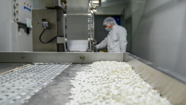 """La Agencia Europea de Medicamentos (EMA) confirmó que """"actualmente no hay evidencia científica que establezca un vínculo entre el ibuprofeno y el empeoramiento de COVID 19 (Ministerio de Salud)"""