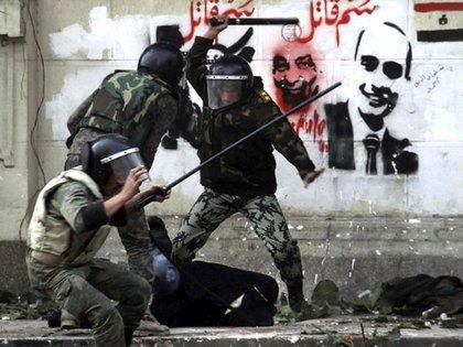 """La dura represión a las protestas en Egipto, denunciadas como """"salvajes"""" por parte de Amnistía Internacional."""