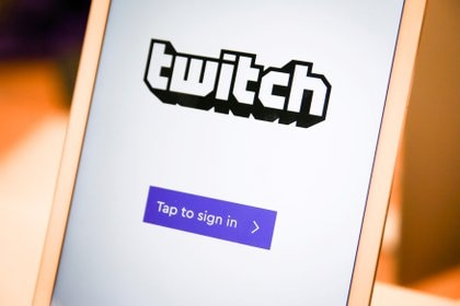 FILE PHOTO: A twitch sign-in screen is seen at the offices of Twitch Interactive Inc, a social video platform and gaming community owned by Amazon, in San Francisco, California, U.S., March 6, 2017.  REUTERS/Elijah Nouvelage/File Photo
