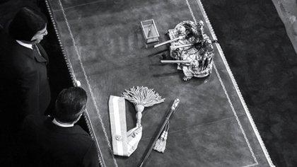 Menem y Alfonsín, durante el traspaso de mando