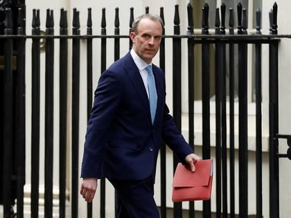 El secretario de Relaciones Exteriores británico y primer ministro interino, Dominic Raab (Foto: Reuters/ Peter Nicholls)