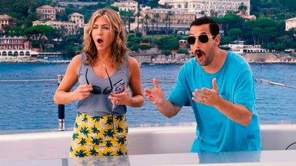 "Adam Sandler y Jennifer Aniston en una escena de ""Murder Mystery"""