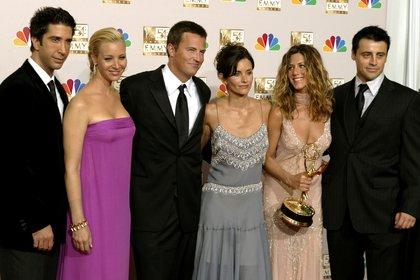 """Los actores de """"Friends"""" en los premios Emmy en 2002 (Reuters)"""
