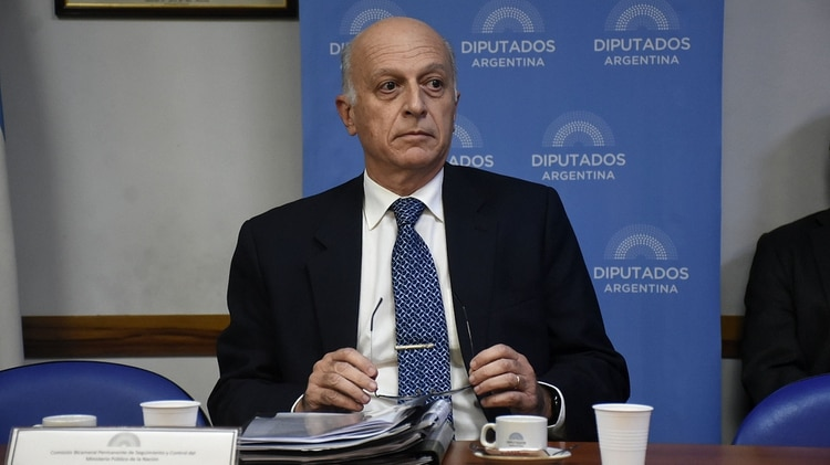 El procurador Eduardo Casal (Nicolás Stulberg)