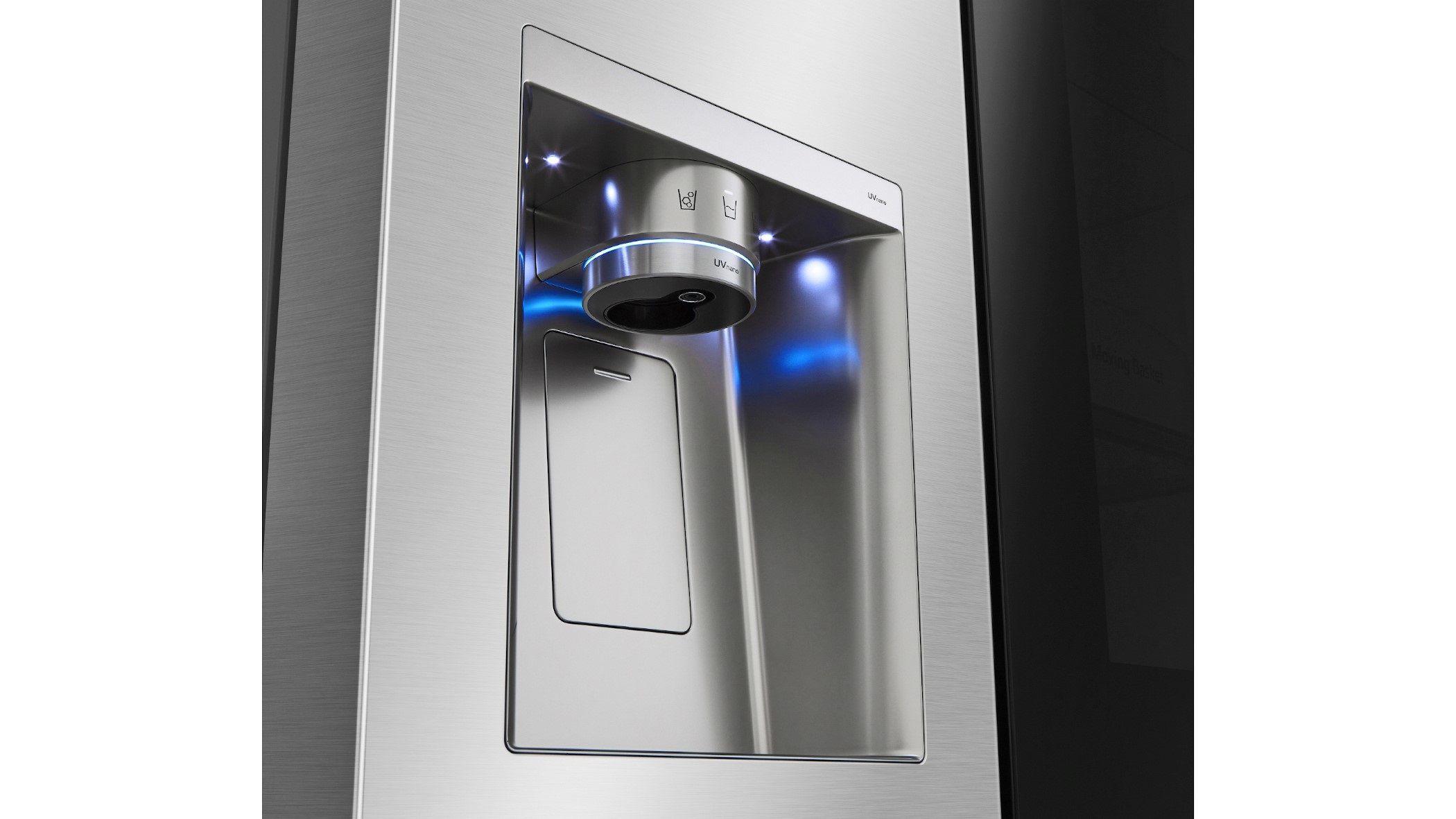 Heladera Instaview con la tecnología UVnano para desinfectar el dispensador de agua