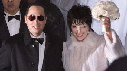 Su matrimonio con David Gest fue un disparate. De él se decía que era gay y que buscaba el dinero de Liza (Reuters)