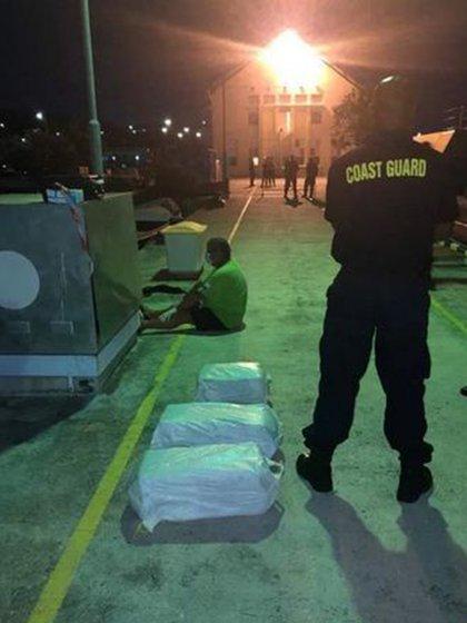 El barco que transportaba la droga tenía un solo tripulante, de nacionalidad británica