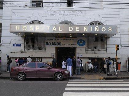 Recién esta semana se conoció el brote de COVID-19 producido en el hospital de la Ciudad de Buenos Aires - DyN 162