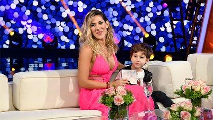Jimena Barón y su hijo (Prensa Telefe)