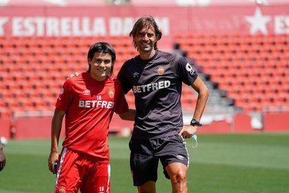Luka Romero, con tan sólo 15 años, entrena al parejo junto con la plantilla principal del Real Mallorca (Foto: Twitter/ @lukaromero_)