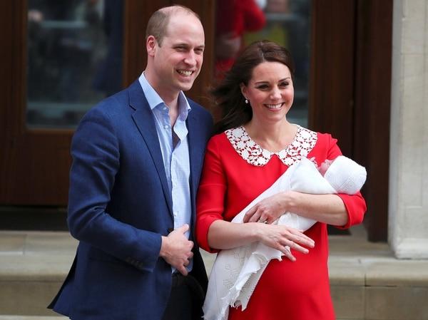 El príncipe Carlos siente celos del príncipe William y Kate Middleton (Reuters)