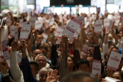 Usuarios de twitter rastrearon la asociación entre el dominio de la plataforma política de Morena y una página con contenido pornográfico (Foto: GUILLERMO PEREA /CUARTOSCURO.COM)