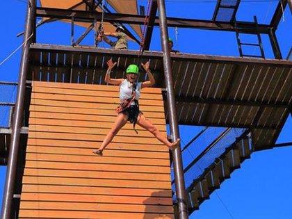 Pampita venció sus miedos y se tiró de 17 metros de altura (Fotos: Instagram)