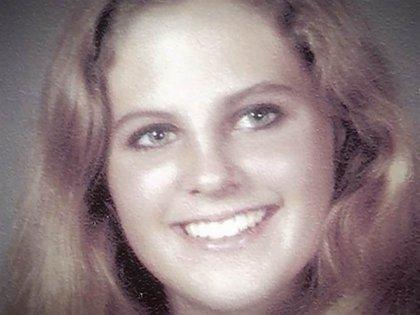 Ángela Samota tenía 20 años, estudiaba informática y electroingeniería y estaba enamorada cuando un brutal asesino la mató con 18 puñaladas