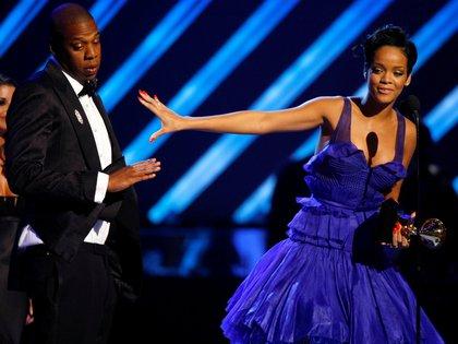 Rihanna y Jay-Z se aliaron para hacer donaciones (Foto: REUTERS/Mike Blake)