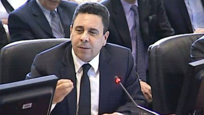 """Samuel Moncada, embajador venezolano en la OEA, había dicho al inicio de la sesión que su país """"iniciaría los trámites de separación de la organización"""" si se aprobaba esta resolución. Sin embargo, tras la votación, no hizo anuncios sobre este asunto"""