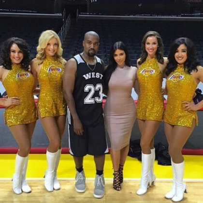 Kim también contrató a las animadoras de los Lakers (IG: kimkardashian)