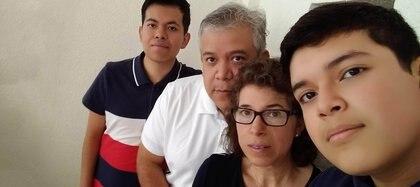 Agradeció a la familia por su apoyo en este proceso de preparación para el examen Comipems, así como a los docentes (Foto: dgcs.unam.mx)