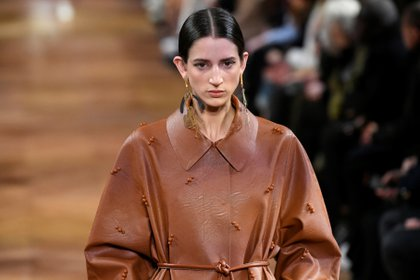 Stella McCartney fue una de las pioneras en el movimiento de pieles sintéticas en el mundo de la moda de lujo (Reuters)