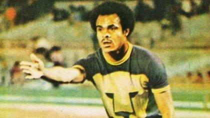 José Juan Muñante fue campeón de liga con el cuadro universitario en la campaña 76-77 (Foto: Archivo)