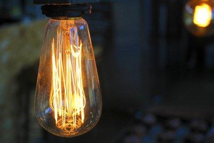 Prográmese con Infobae para saber si su barrio o localidad será afectada por cortes de luz / Foto: Pxhere