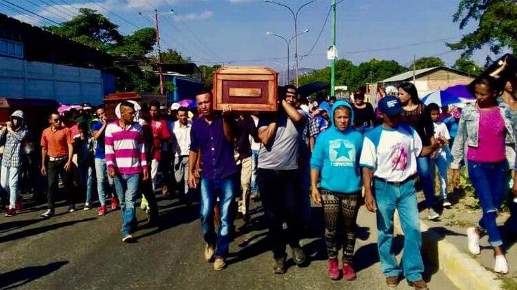 Entierro de Cristian Ramos, Anderson Torres Cortez y José Alfredo Torres Cortez,enero de 2019. (Imagen cedida a Amnistía Internacional por autor)