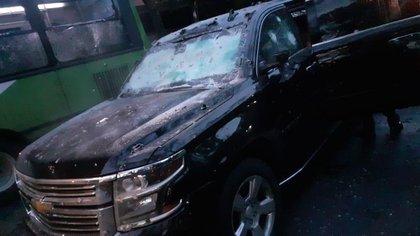 Imagen de la camioneta que el funcionario utilizó el viernes tras ser advertido de que sería atacado  (Foto: @c4jimenez)