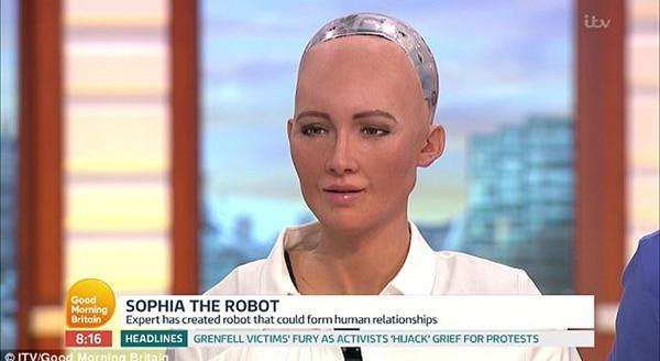 Sophía, la robot fabricada por la compañía Hanson Robotics de Hong Kong, fue nombrada como la primera ciudadana no-humana de la historia