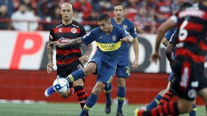 La curiosa reaparición pública de Agustín Almendra en medio de sus misteriosas ausencias en los entrenamientos de Boca  (AP Photo/Gregory Bull)