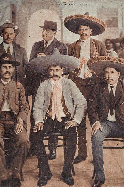 Emiliano Zapata y zapatistas (Foto: AHUNAM)