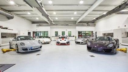 Ingram consiguió su fortuna luego de trabajar durante toda su vida en la industria farmacéutica (Porsche)