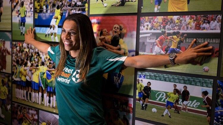 La brasileña tiene 33 años juega en el Orlando Pride de Estados Unidos y gana USD 381 mil (NA)