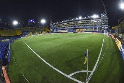 Boca le quiere hacer sentir la localía a Racing para pasar a semifinales (REUTERS/Marcelo Endelli)