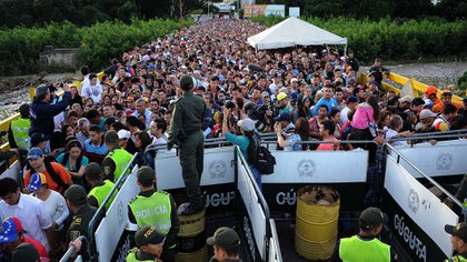 Los venezolanos escapan de la crisis que golpea a su país