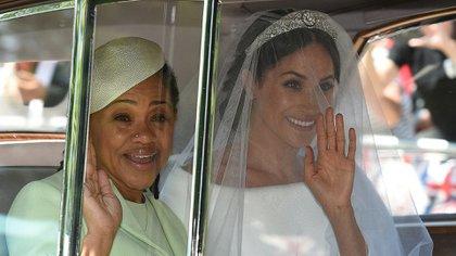 Meghan Markle y su madre el día de su boda con el príncipe Harry  (AFP)