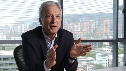 Pérez Rojas, que tiene 38 en el holding, estuvo a cargo de Suramericana, filial especializada en la industria de seguros y gestión de tendencias y riesgos