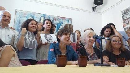 Abuelas de Plaza de Mayo en la conferencia de prensa en la que anunciaron la recuperación de Vanesa, la nieta 126. (@agenciaCTA)
