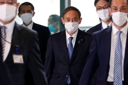 Le nouveau Premier ministre japonais, Yoshihide Suga, à son arrivée à la résidence officielle du président à Tokyo, Japon, le 16 septembre 2020. REUTERS / Issei Kato
