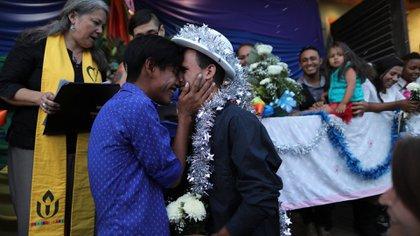 Durante la travesía se celebraron bodas entre miembros LGTB de la caravana migrante