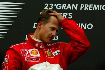 La prensa italiana informó que Michael Schumacher volverá a pasar por el quirófano (REUTERS)
